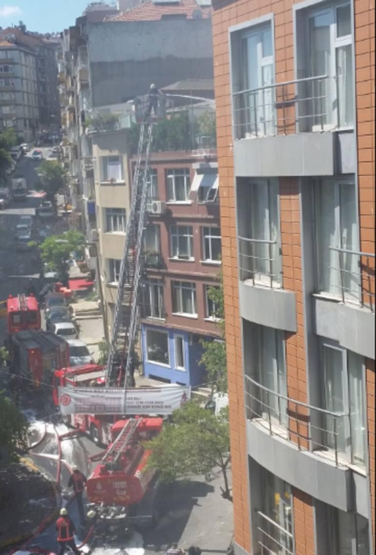 Ünlü oyuncunun Cihangir'deki evinde yangın çıktı