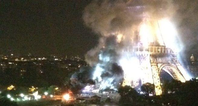 Eyfel Kulesi'nden dumanlar yükseliyor