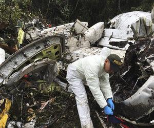 Kolombiya'da düşen uçağın enkazından şok görüntüler