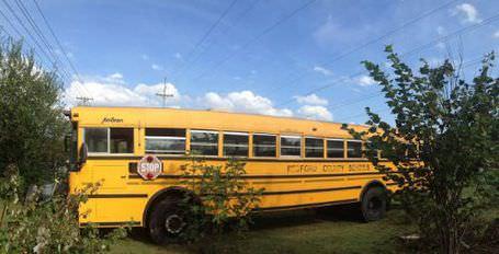 Okul otobüsünü eve çevirdiler