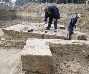 Yurt inşaatı kazısı sırasında antik mezar çıktı