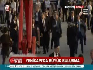 Cumhurba�kan� Erdo�an sahneye bu türküyle ç�kt�