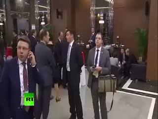 G20'deki esrarengiz adam bak�n kim ç�kt�!