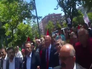 CHP'li vekiller An�tkabir'e terörist mar�� söyleyerek gitti!