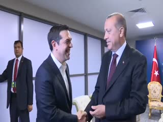Erdo�an'dan Çipras'a gülümseten 'kravat' sorusu