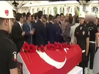 �ehit cenazesinde CHP'liler �ehit yak�n�na sald�rd�!