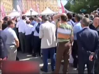 MHP Tüzük Kurultay�nda delegeler aras�nda s�ra kavgas�