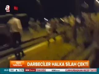 Alçak FETÖ'cü asker sivil halka böyle ate� etti!