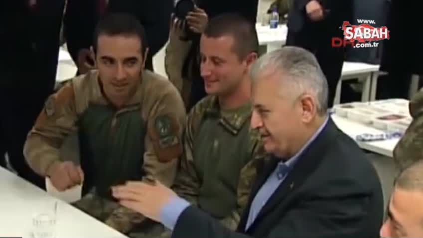 Başbakan Yıldırım'ın yılbaşında El Bab şehidi ile sohbet edip ailesiyle görüştüğü anlar!